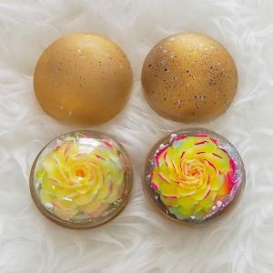 Image de Galaxy Set de 2 fleurs exotiques sculptées à la main