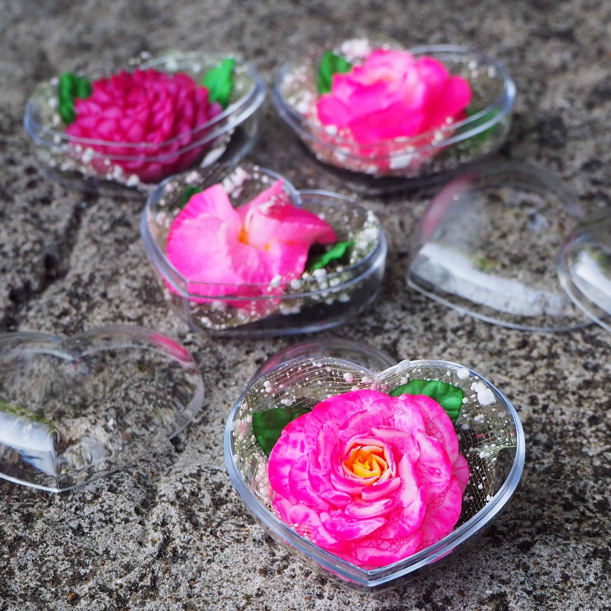 Bild von Valentine Blume Satz aus 4 Hand geschnitzten dekorativen Seifen