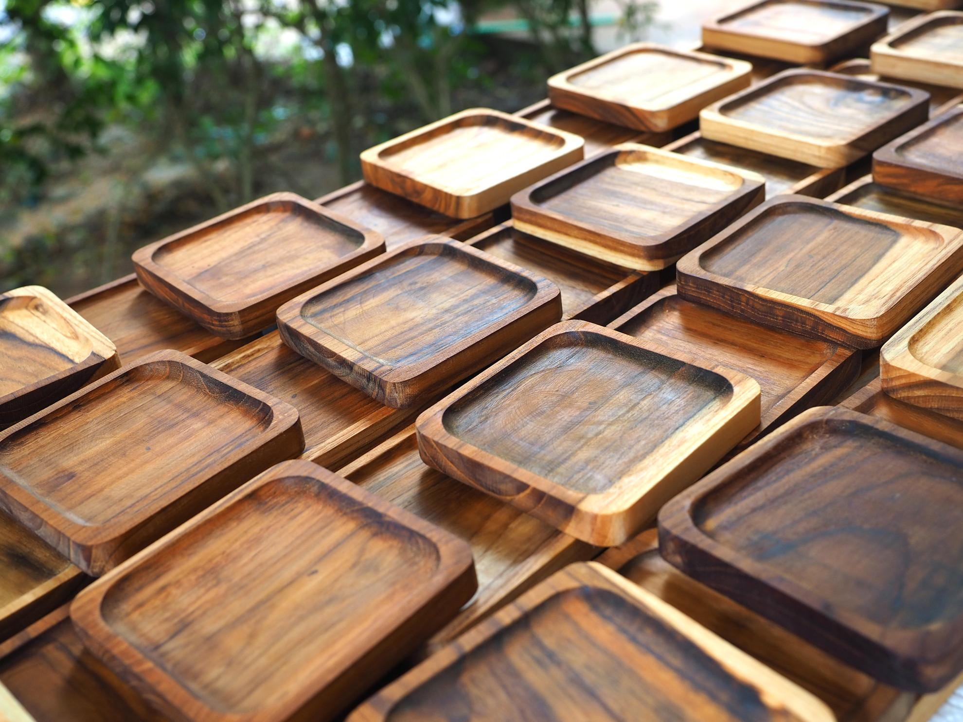Image de 4 x Sous-verres carrés en bois de teck - 9 cm